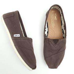 TOMS Classic Canvas Slip-on Flats